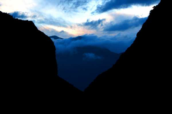 Sunrise at the Tiger Leaping Gorge